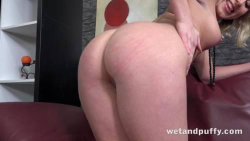 Nude pregnant women masterbating