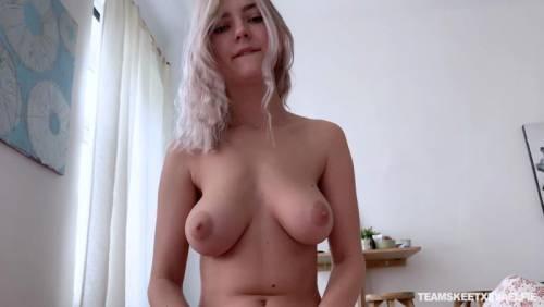 Eva Elfie 3