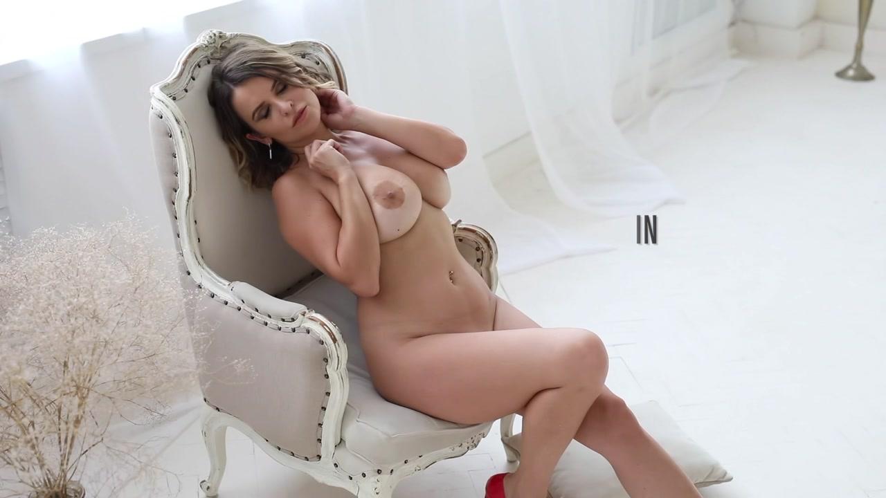 Sharona-The_Queen_III_1080p.mp4.00000.jpg